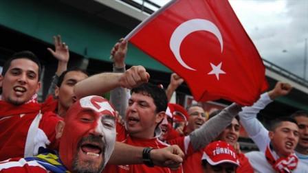 TurkeyFans.jpg